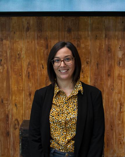 Sandra Fernández - Customer Support department
