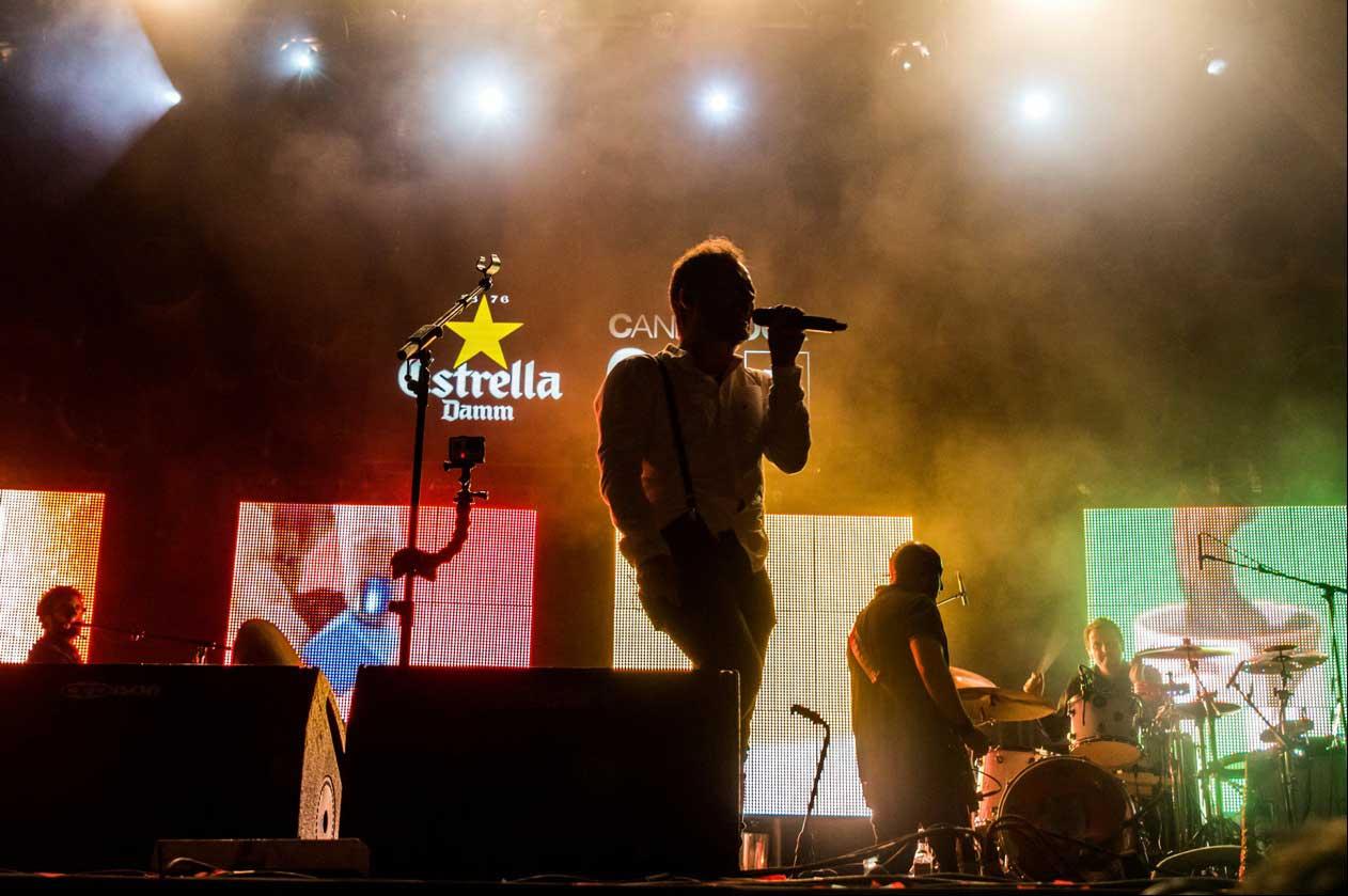 LoveofLesbian-LedDream-concierto-iluminacion-led-estrellaDamm