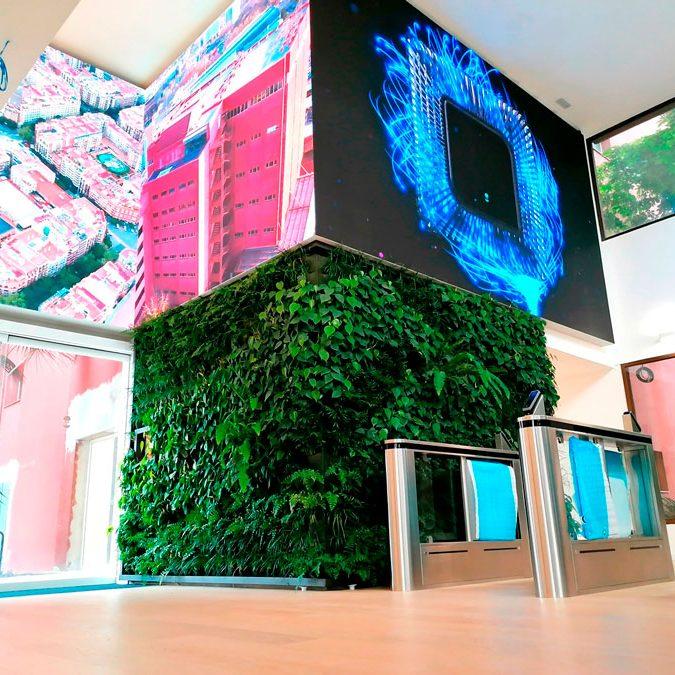 Pantalla-LED-interior-en-forma-de-Z-edificio-corporativo-Wallbox-LedDream