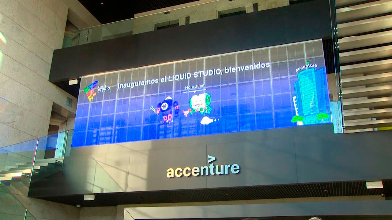 Pantalla-LED-transparente-Accenture-LedDream